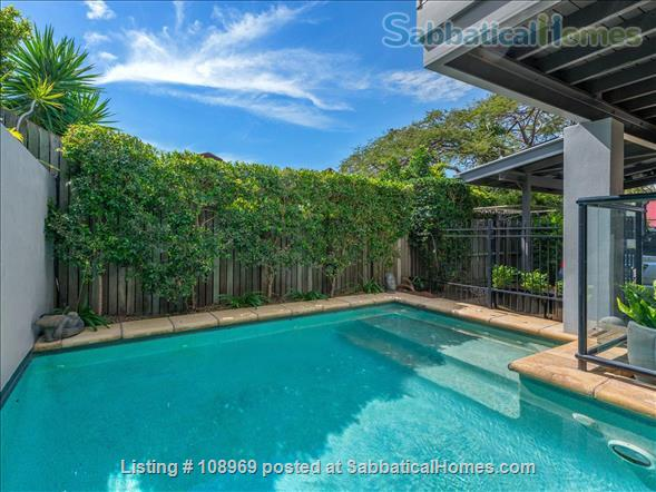 Sabbaticalhomes home for rent spring hill 4000 australia for Qut garden pool