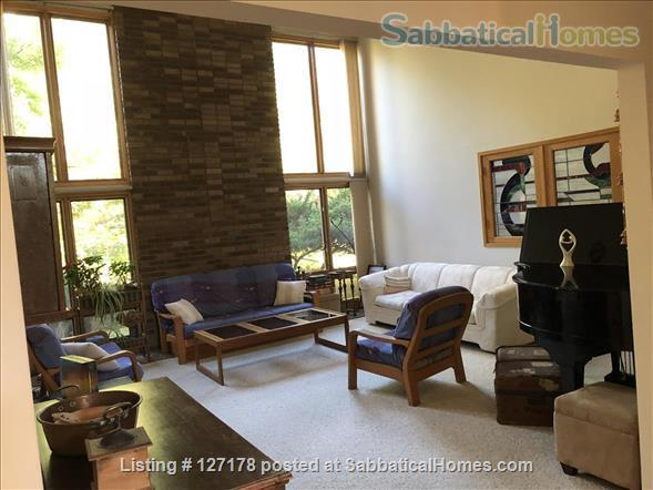 Sabbaticalhomes Home For Rent Ann Arbor Michigan 48105 United States Of America 3 Bedroom Furnished Apartment In Quiet